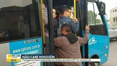 Micro-ônibus de linha da zona sul não comporta demanda de passageiros - Vídeo de passageiro da linha 5127-10 mostra situação que é comum, segundo os passageiros.