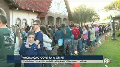 Dia de vacina contra a gripe em Londrina - Filas se formaram logo cedo em posto de vacinação.