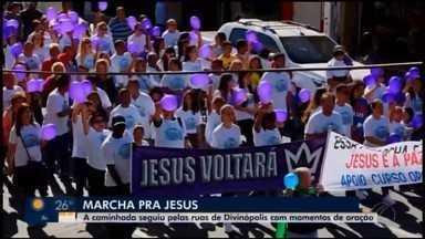 Marcha para Jesus é realizada em Divinópolis - Evento ocorreu neste sábado (15). Veja como foi a caminhada.
