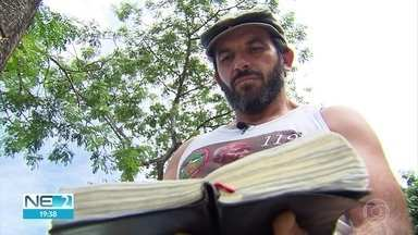 Amor ao próximo e solidariedade ajudam a salvar vítimas das chuvas no Grande Recife - Homem foi retirado de dentro de canal por desconhecidos.