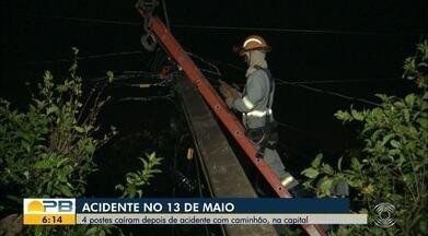 Quatro postes caem após acidente envolvendo caminhão no bairro 13 de maio, em João Pessoa - Moradores ficaram quase três horas sem energia.