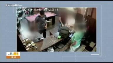 Soldado que assaltou barbearia está custodiado na Aeronáutica, em Belém - Polícia procura adolescente de 16 anos que ajudou no crime