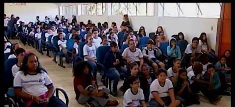 Festival Literário de Araxá movimenta setor hoteleiro - Fliaraxá começa nesta quarta-feira com programação de graça. Participantes aproveitam o feriado para conhecer a cidade e participar do festival.