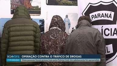 Polícia Civil faz operação pra combater tráfico de drogas em Ponta Grossa - Foram quatro meses de investigação. 12 pessoas foram presas e um adolescente apreendido.