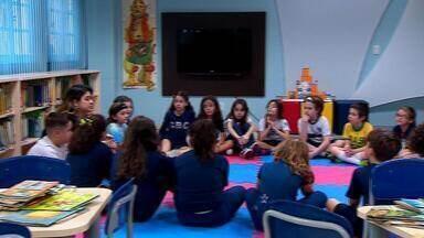 Seleção Brasileira Feminina é assunto em escola de Porto Alegre - Professora abordou como principal tema na aula, a igualdade.