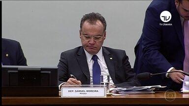 Na Câmara, comissão especial começa a debater relatório da Previdência - Relator Samuel Moreira voltou a descartar a reinclusão no relatório do regime de capitalização, em que cada trabalhador contribui para sua própria aposentadoria privada.