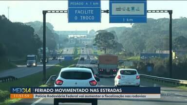 Movimento está maior nas estradas - A PRF aumentou a fiscalização nas rodovias.