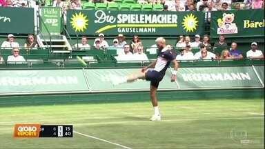 Jogo de tênis no ATP de Halle, na Alemanha, vira futebol - Jogo de tênis no ATP de Halle, na Alemanha, vira futebol