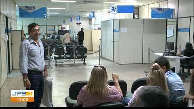 Por ano, 3,6 mil pessoas solicitam isenção na compra de carro novo na Paraíba - Espera é de até seis meses no Detran.