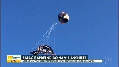 Balão chama atenção no céu do ABC Paulista - Estrutura caiu com a tocha acesa na alça de acesso da rodovia Anchieta.