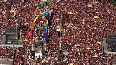 Luta pelos direitos dos LGBTI+ completa 50 anos - Série de reportagens especiais mostra os desafios e as conquistas na luta contra o preconceito. No domingo, a Parada do Orgulho LGBT reuniu três milhões de pessoas, em São Paulo.