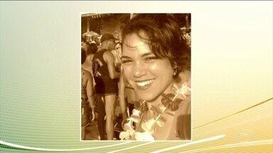 Universitária é encontrada morta dentro da casa do ex-namorado no Rio de Janeiro - Jovem foi encontrada com sinais de estrangulamento e cortes no corpo. Ex-namorado é o principal suspeito, segundo a polícia.