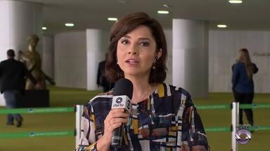 Carolina Bahia fala sobre possível flexibilização de porte de armas - Confira o comentário.