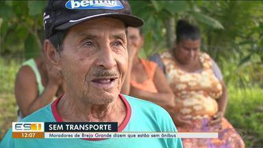 Comunidade do interior de Linhares, ES, está sem transporte público - Moradores não sabem o que fazer diante da situação.