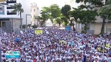 Evangélicos de várias partes do estado se reúnem na Marcha da Família - Evento, organizado pela Igreja Internacional da Graça de Deus, aconteceu no Bairro do Recife.