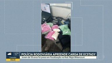 Traficante é presa com mais de 16 mil comprimidos de ecstasy - Polícia Rodoviária Federal fez a prisão na região de Barra do Turvo, próximo a divisa com o Paraná.