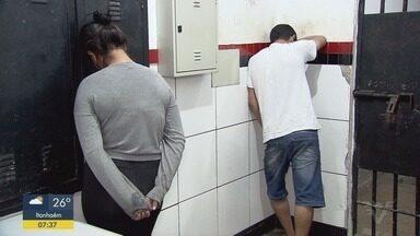 Casal é preso por estelionato em Guarujá - O homem e a mulher foram presos, também, por receptação de produtos roubados