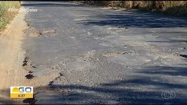 Motoristas reclamam de estradas esburacadas em Catalão - Vias estão tomadas por crateras.