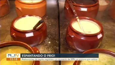 Restaurantes do Sul do Rio registram um aumento de 50% na procura por caldos - Comerciantes da região apostam nos pratos que atraem clientes no inverno.