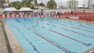 Mesmo com o frio, os atletas foram para piscina pelo Jogos Regionais - Sorocaba entrou em quadra contra Salto de Pirapora e venceu por 11 a 0