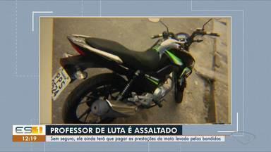 Professor de jiu-jítsu é assaltado e tem moto levada em Jardim Tropical, na Serra, ES - Crime ocorreu na noite desta sexta-feira (5). Moto ainda não foi recuperada. Suspeitos também não foram presos.