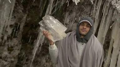 Sul e Sudeste do Brasil têm madrugada mais fria do ano - Um sábado gelado para os moradores do Sudeste e do Sul do Brasil. A tão esperada neve chegou pela primeira vez este ano. Em Santa Catarina, mais de 30 cidades registraram temperaturas abaixo de zero.