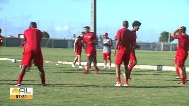 Sem Leo Ceará, CRB inicia os trabalhos para o retorno da Segundona - Atacante se recupera de uma virose