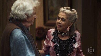 Cornélia revela que não é mãe de Eusébio - Ela explica que é irmã mais velho do marido de Dorotéia e exige uma parte da herança que ele ganhou