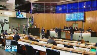 Câmara aprova projetos que criam novos cargos em secretarias da Prefeitura de Uberlândia - De acordo com a oposição, impacto financeiro pode ultrapassar os R$ 5 milhões.
