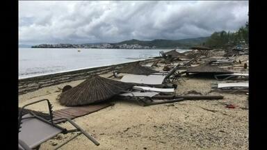 Tornado e chuvas de granizo matam seis turistas e ferem dezenas na Grécia - Fortes tempestades atingiram o norte do país na quarta-feira (10).
