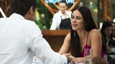 Vivi promete ligar para se despedir de Chiclete - Camilo surpreende a noiva