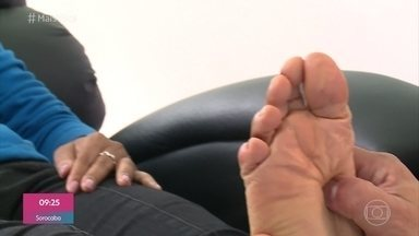 Pés que Falam: Ana Paula descobriu problema de saúde com reflexologia podal - Além de ajudar a diganosticar e resolver seus problemas físicos, Ana Paula descobriu questão emocional que a perturbava