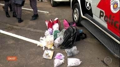 Sete pessoas envolvidas com o tráfico de drogas são presas em Carapicuíba, SP - As prisões aconteceram durante uma operação da Polícia Militar.