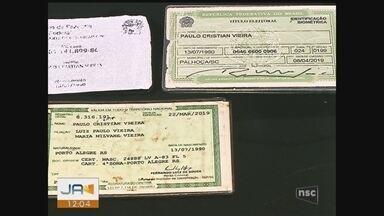 Polícia desarticula grupo que confeccionava documentos falsos para foragidos do RS - Polícia desarticula grupo que confeccionava documentos falsos para foragidos do RS
