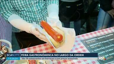 Feira Gastronômica no Largo da Ordem tem pratos de 18 restaurantes a preços acessíveis - O preço médio dos pratos é de 20 reais.