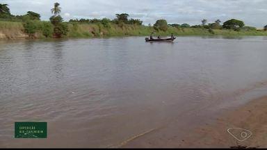 Expedição pelo Rio Itapemirim mostra os desafios de navegar no local - Há muita falta de cuidados ao longo da bacia.