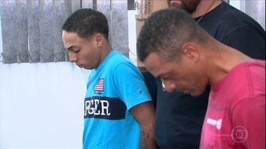 Polícia prende pai e filho suspeitos de assaltar pedestres em SP - Os dois, que já tinha passagem pela polícia, foram reconhecidos por quatro vítimas que tiveram celulares roubados.