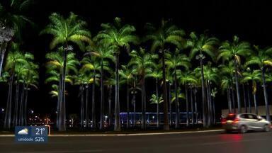 Iluminação nova em pontos turísticos do DF - Foram gastos R$ 449 mil com o projeto. Segundo a CEB, a troca das lâmpadas de vapor de sódio pelas de LED vai garantir uma economia mínima de 70% no local.