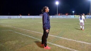Técnicas são raridade no comando de time no futebol feminino - Técnicas são raridade no comando de time no futebol feminino. No Campeonato Brasileiro Sub-18, 24 equipes disputam o torneio e apenas seis são mulheres.