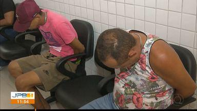 Polícia desarticula esquema de roubo de carros em João Pessoa - Polícia prende trio suspeito de roubar e depenar carros, para revender peças.