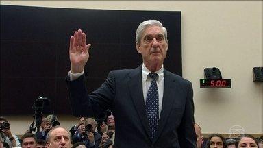 Procurador diz que Trump pode ser indiciado quando deixar a Casa Branca - Encarregado de investigar a interferência da Rússia na campanha presidencial nos EUA, procurador especial foi sabatinado no Congresso americano.