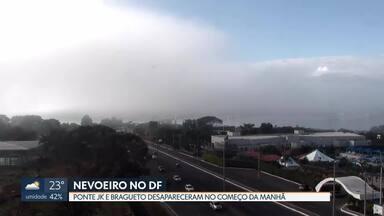 Brasília amanheceu coberta por nevoeiro - A Ponte JK e o Bragueto desapareceram no meio do nevoeiro, que também pairou sobre o Lago Paranoá. Segundo o Inmet, isso aconteceu porque no início do dia a umidade estava muito alta: 95%.