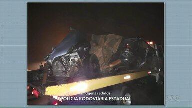 Carro se parte em três pedaços depois de uma perseguição - O motorista morreu na hora.