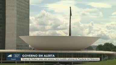Ministério da Justiça diz que hackers invadiram celular do presidente Jair Bolsonaro - Grupo preso em São Paulo (SP), Araraquara (SP) e Ribeirão Preto (SP) foi levado para Brasília (DF).