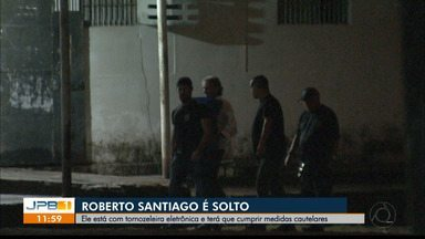 Roberto Santiago é monitorado por tornozeleira eletrônica - Empresário foi solto na noite de quarta-feira (24).