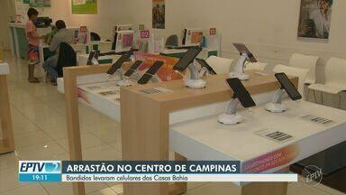 Suspeitos são detidos por assalto em loja de eletrodomésticos no Centro de Campinas - Ao todo, foram levados 23 aparelhos celulares do estabelecimento. Ninguém ficou ferido.