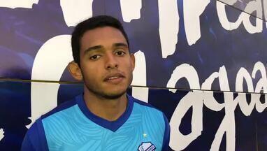 Volante do CSA, Dawhan responte pergunta do torcedor azulino - Jogador deve ser improvisado na lateral contra o Grêmio