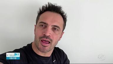 Mande um vídeo e concorra a uma chance de desafiar Falcão, o Rei do Futsal - Para participar, basta mandar um vídeo acertando o travessão: vale quadra, campo e society.