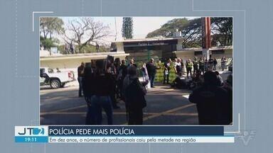 Déficit na polícia civil é alvo de protesto em São Paulo - Em dez anos, o número de profissionais caiu pela metade na região