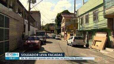 Trabalhador é esfaqueado depois de assalto, em Vila Velha, ES - Ele foi socorrido por vizinhos e levado para para um hospital no município. O crime foi no início da manhã desta quinta-feira (25).